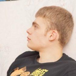 Парень ищет развратную девушку для жаркого секса в Ульяновске