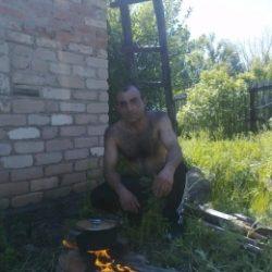 Парень из Ульяновск. Ищу девушку доя секса на одну ночь