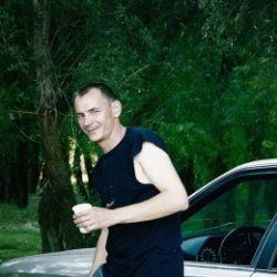 Парень ищет девушку, женщину в Ульяновске. Практически любые прихоти!