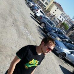 Обаятельный парень ищет не менее обаятельную девушку для секса в Ульяновске!