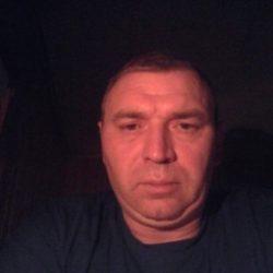 Стройная девушка шатенка ищет мужчину в Ульяновске для вечерних встреч