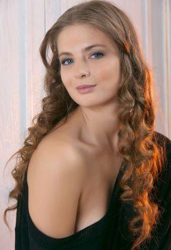 Развратная и пошлая девушка ищет парня в Ульяновске