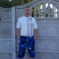 Парень, ищу девушку в Ульяновске для секса без обязательств)